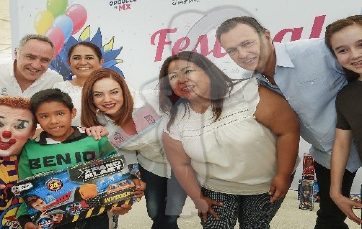 Festeja DIF Estatal a niños en Tolimán
