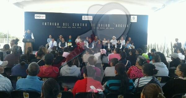 Entregan autoridades Centro de Salud en Arcila SJR