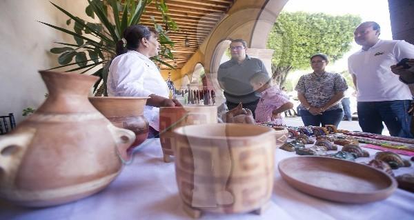 Invita Memo Vega a la Expo-artesanal en SJR