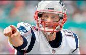 Tom Brady bromaea con su retiro a estrenar cuenta de Twitter