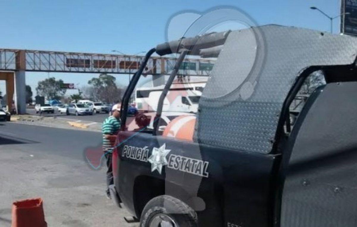 Aseguran a sujeto con arma blanca en Corregidora