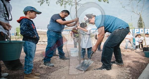 Encabeza Memo Vega arranque de Semana de Reforestación