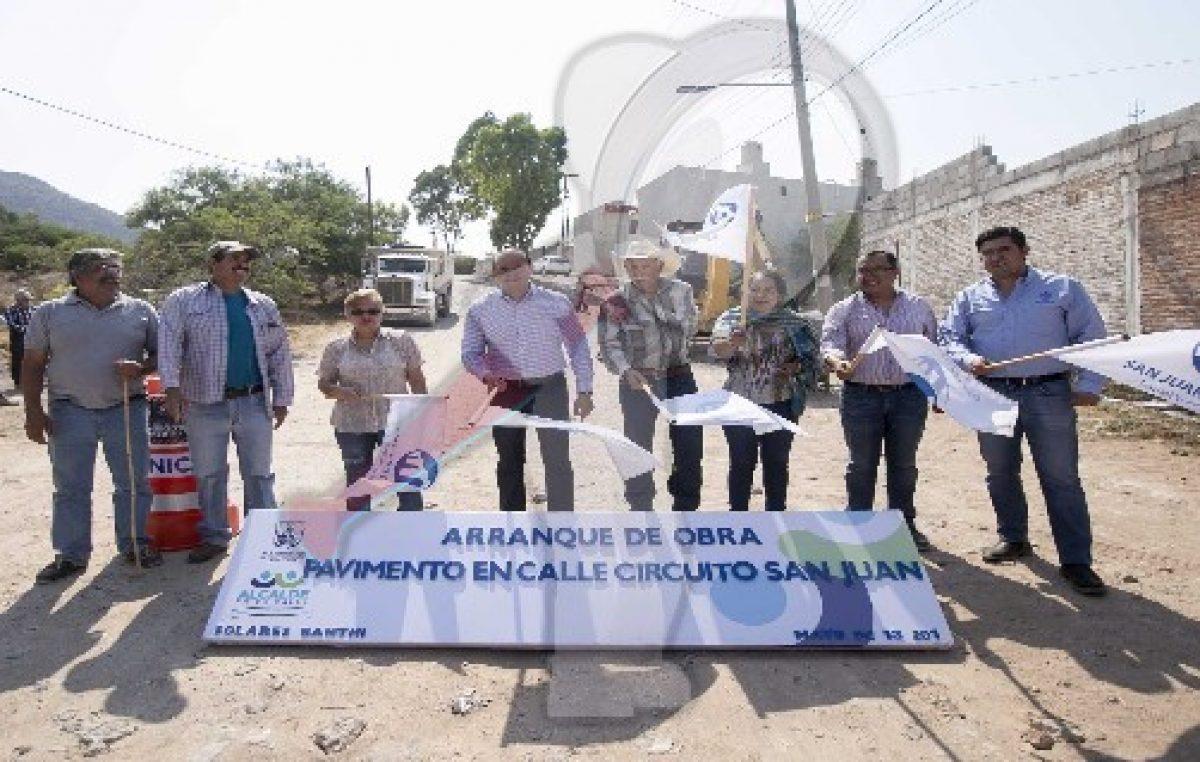 Inicia mejoramiento de vialidad en Solares Banthí