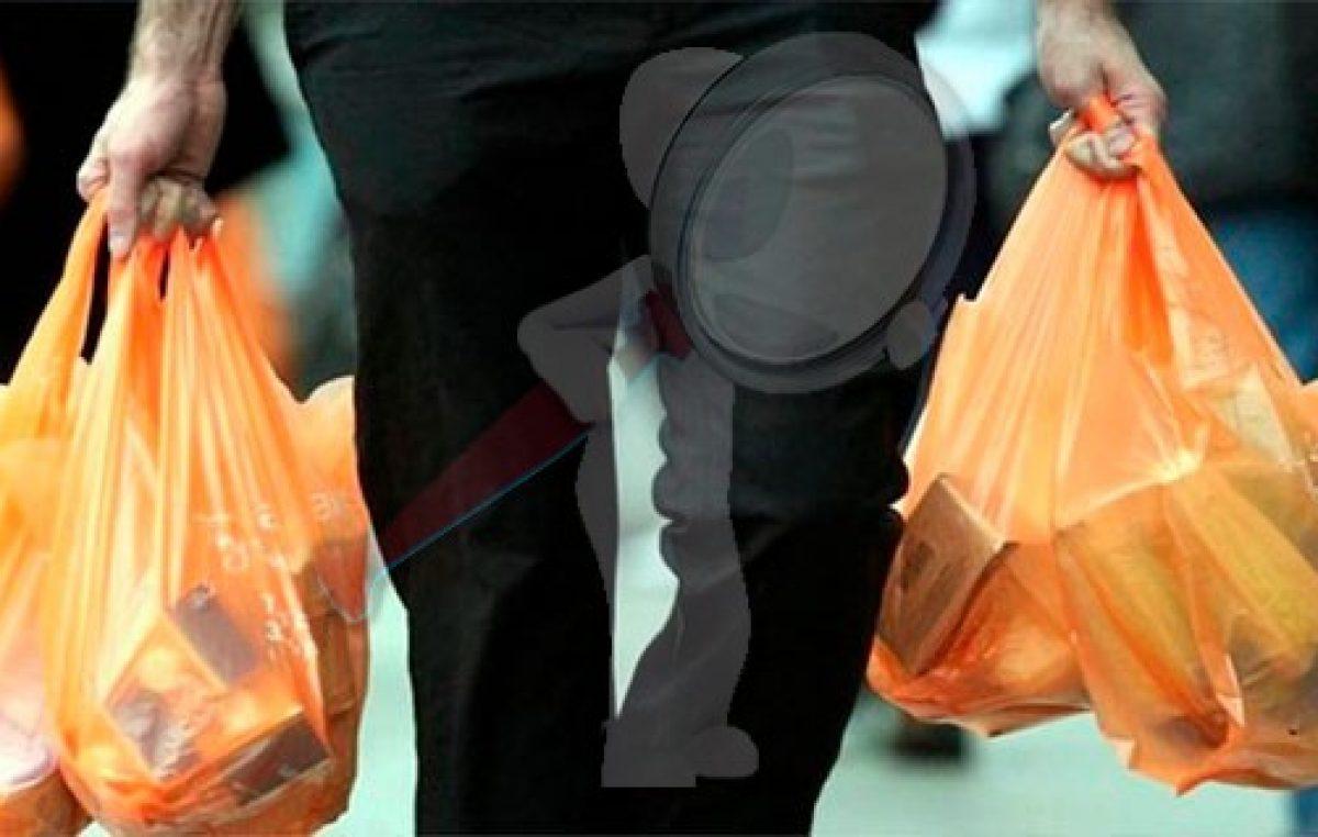 Restringen en Corregidora, Querétaro, entrega de bolsas de plástico