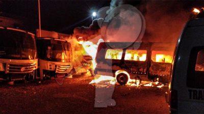 Un total de 30 camiones fueron consumidos por el fuego en El Marqués