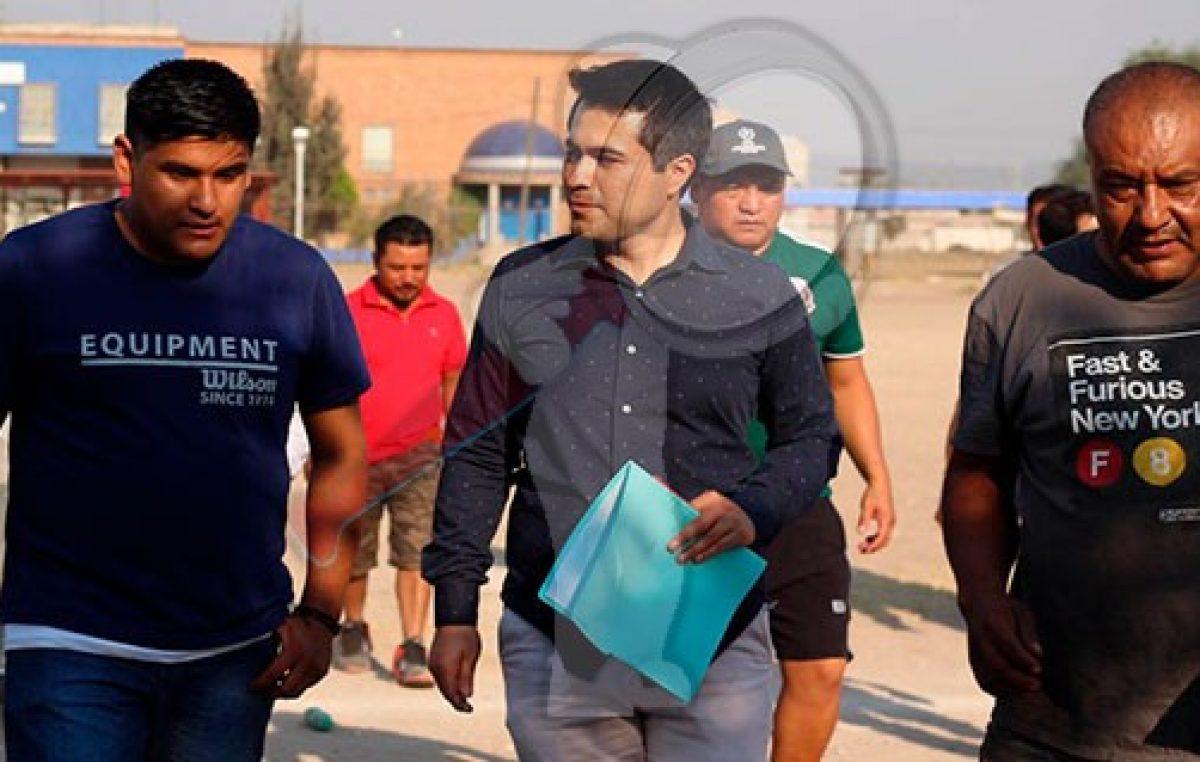 Diputado Raúl Chávez recorre instalaciones deportivas en Visthá