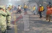 Gestionan dos helicópteros cisterna para sofocar incendio en la Sierra Gorda