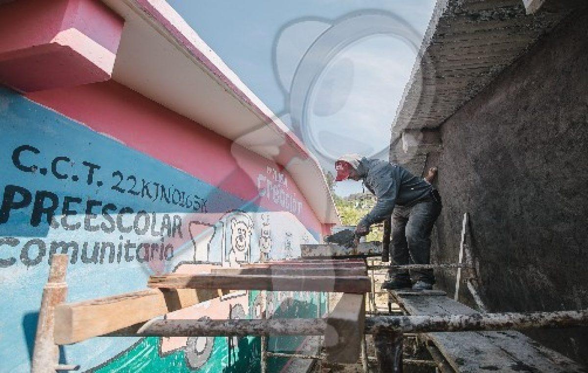 Arco-techo para primaria de Soledad del Río: Memo Vega