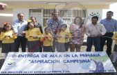 Entrega Memo Vega aula en primaria de San Sebastián de las Barrancas Norte
