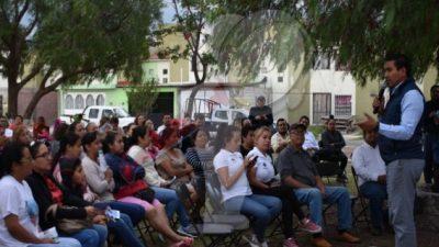 Visitan funcionarios de Escobedo Fraccionamiento Real de San Pedro