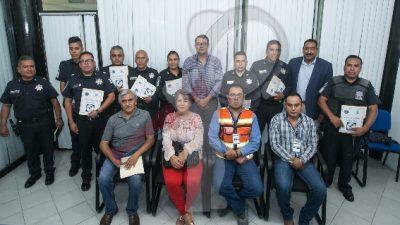 Ciudadanos reconocen labor de policías sanjuanenses
