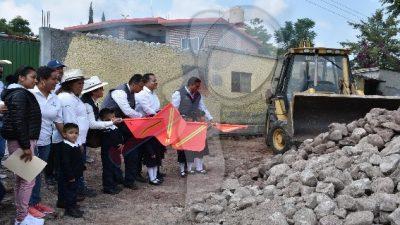 Arranca obras Amarildo Bárcenas en diversas comunidades de Escobedo