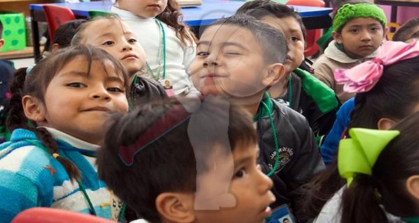 A clases 64 mil 166 alumnos de educación básica, este lunes 26