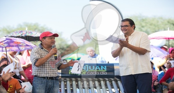Habitantes de Arcila y San Miguel Galindo reciben apoyos