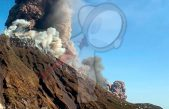 Volcán Estrómboli entra en erupción en Italia