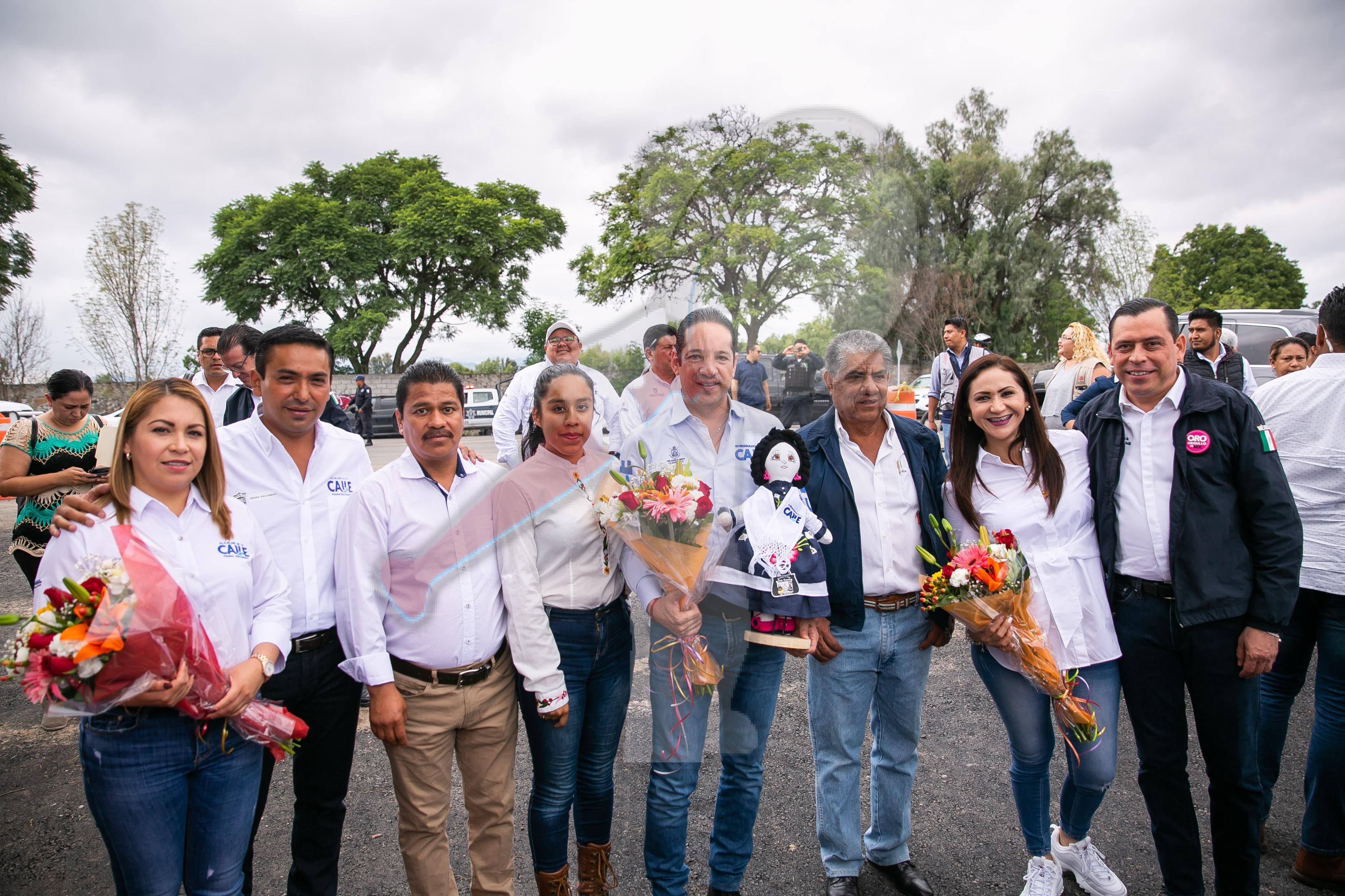 Entrega gobernador carretera El Sauz – Pedro Escobedo