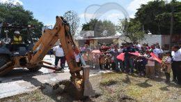 Realiza Amarildo Bárcenas arranque de obra en localidades
