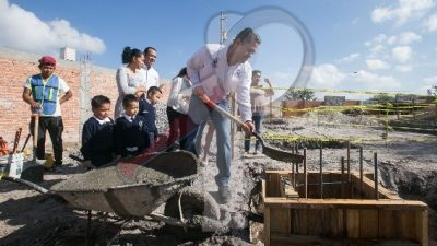 Arranca construcción de Plaza Cívica para preescolar en Fundadores