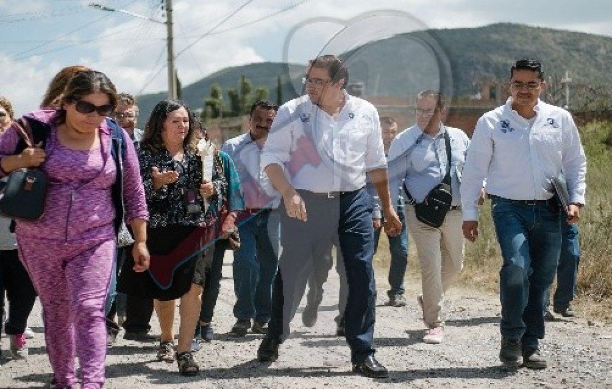 Rehabilita gobierno de Memo Vega calles en Granjas Banthí