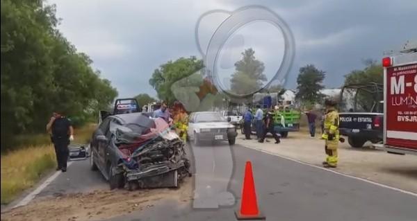 Brutal choque deja un muerto en la carretera La Estancia – La Llave