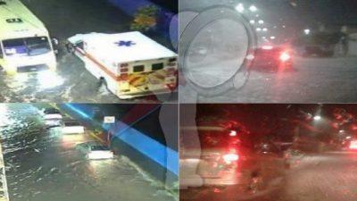 Encharcamientos y vehículos varados dejó fuerte lluvia en SJR