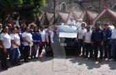 Entrega Amarildo Bárcenas vehículos utilitarios