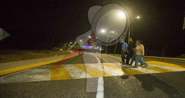 Entregan obra de alumbrado público en Boulevard Alfonso Patiño