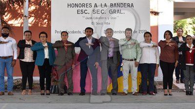 Gestiona Amarildo Bárcenas apoyos para sector educativo