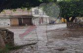 Lluvia ligera provoca inundaciones y vehículos varados en SJR