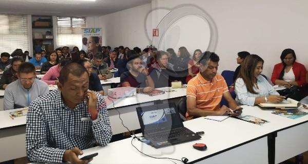 Realizan Conferencia sobre Violencia Laboral en SJR