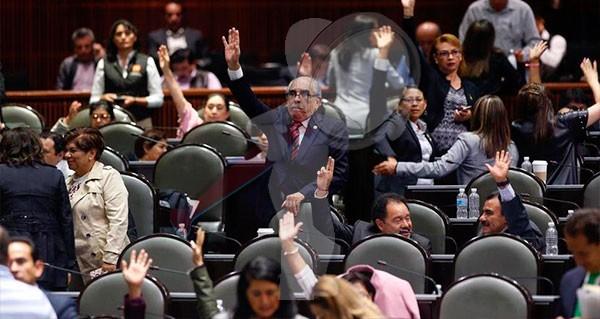 """Diputados aprueban reformas contra """"huachicoleo"""" fiscal"""