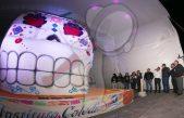 """Presentan a """"Cathy"""" la calavera de azúcar más grande del mundo en SJR"""
