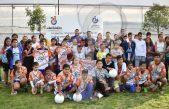 Entrega Amarildo Bárcenas uniformes deportivos en localidades de Escobedo