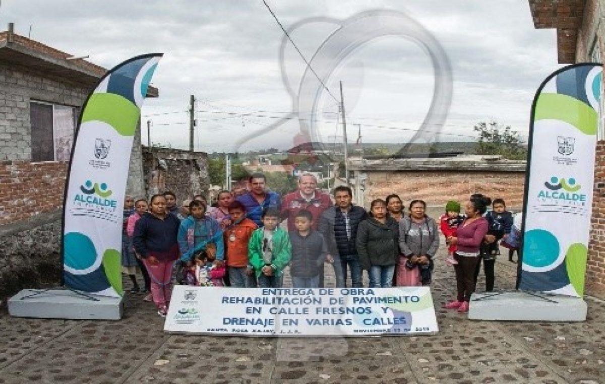 Entrega gobierno de SJR obras en Santa Rosa Xajay