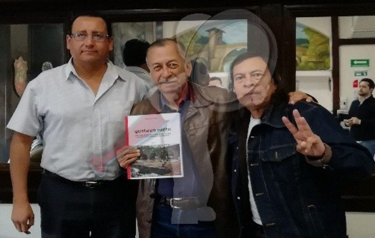 Presenta libro Gustavo Nieto Ramírez ex-alcalde de SJR
