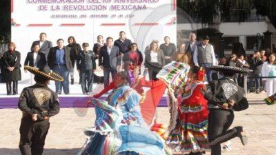 """Celebra Tequisquiapan con acto cívico y desfile """"Revolución Mexicana"""""""