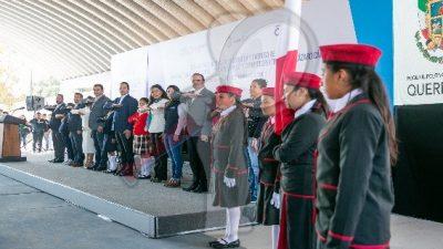 Entrega gobernador infraestructura educativa en La Fuente, Tequisquiapan