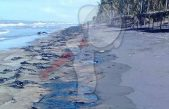 Derrame de hidrocarburo provoca cierre de playas en Tabasco