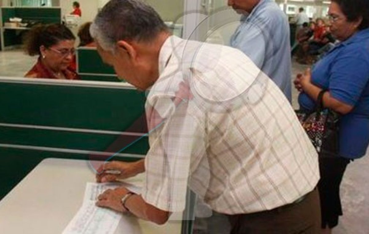 Pensionados del IMSS recibirán aguinaldo a finales de noviembre