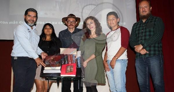Exhiben piezas del museo iconográfico del Quijote en SJR