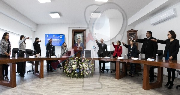 Incrementará Memo Vega presupuesto para beneficio de las mujeres en SJR