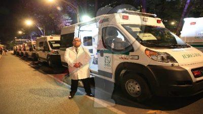 Dan banderazo de salida a 20 nuevas ambulancias para IMSS-Bienestar