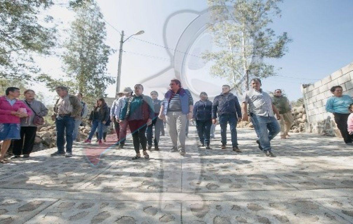 Memo Vega entrega y anuncia obras en San Miguel Galindo
