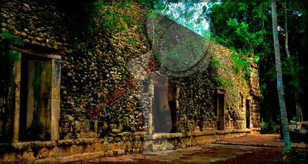 Descubren un palacio maya en Yucatán