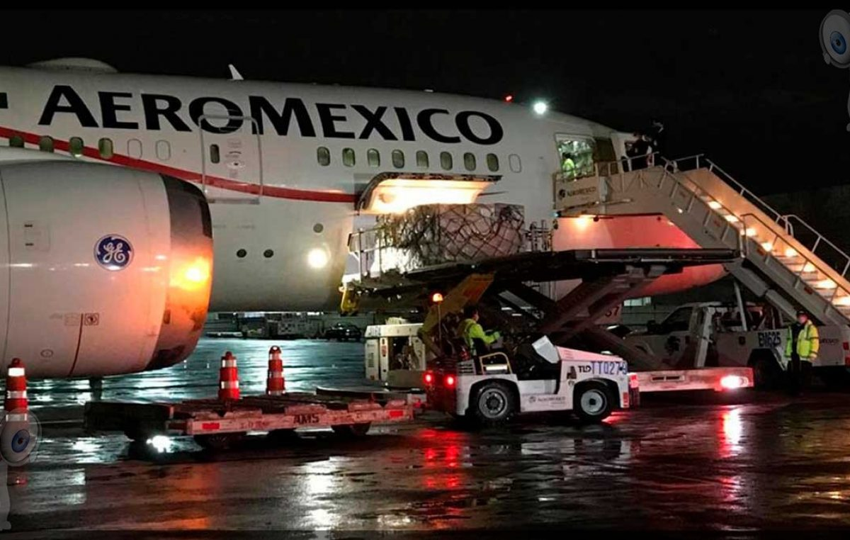 Llega séptimo cargamento con insumos médicos contra Covid-19 a México