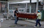 Dejan cadáveres en las calles por la crisis del coronavirus en Ecuador