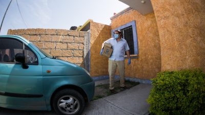 Inicia la entrega de apoyos alimentarios en SJR