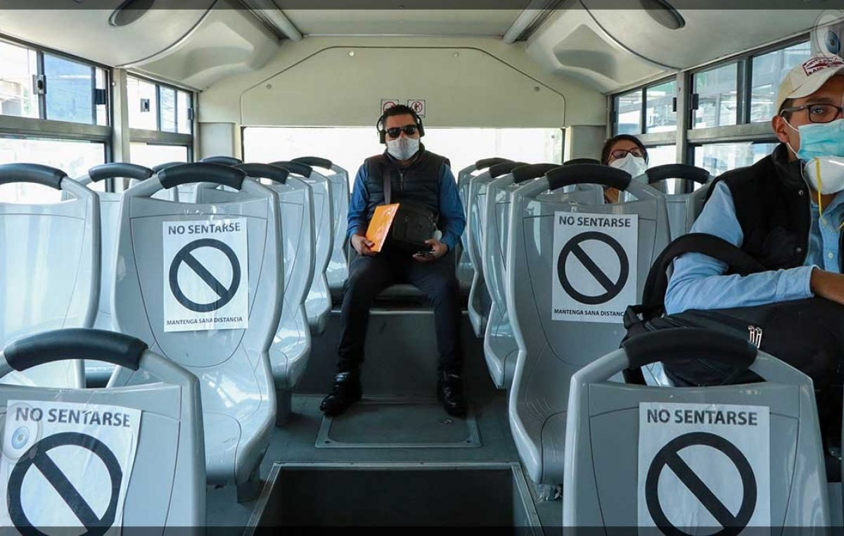 Refuerzan medidas preventivas en transporte público para evitar contagios por COVID-16