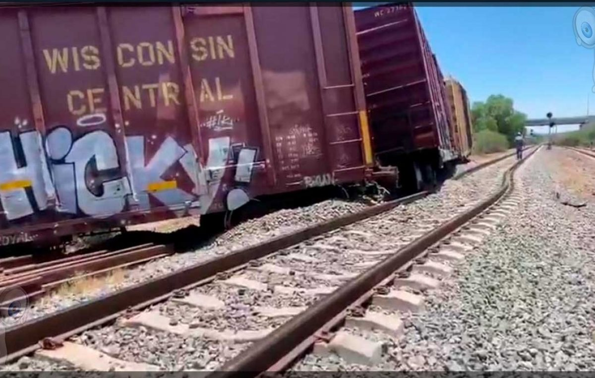 Se descarrila tren en San Nicolás, Tequisquiapan