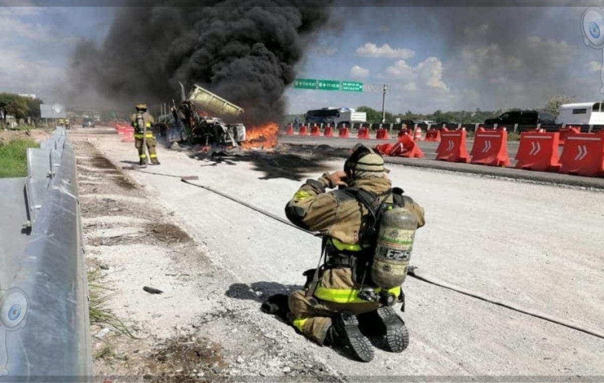 Incendio de tráiler ocasiona caos vial en la 57